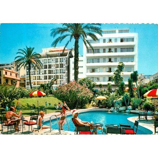 Beirut Excelsior Hotel 1967 .