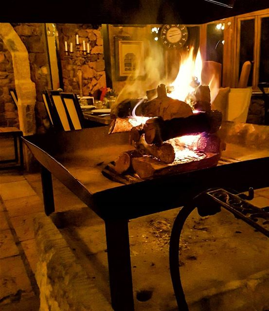 Flame and game fire fireplace lolaresto warm beautiful cozy ... (Lola (resto))