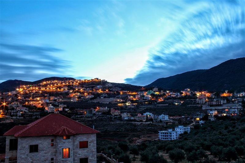 The clouds gave this photo a great punch to see in the sky at long... (Arabsalim, Lebanon)