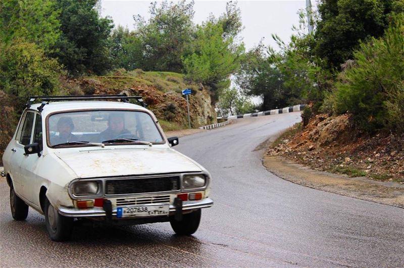 oldcar rianyday greenpeace naturelovers roadtrip lebanontimes ... (Saydet Mizyara)