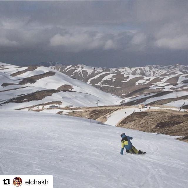 Prayed for snow.. Prayers answered 🙌🏾🎉💫. thankthestorm snowsnowsnow... (Mzaar Kfardebian Ski Resort)