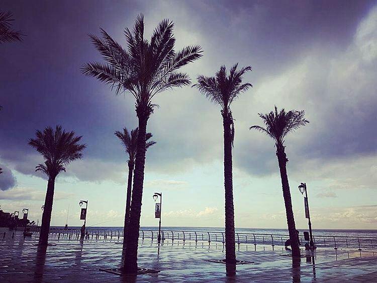 ❄️ My Beirut ❄️By @newnbeirut CornicheBeirut Almanara AinElMrayseh ... (Manara Beirut)
