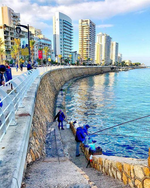 The sea today!!By @rawadhamwi Almanara AinElMrayseh Beirut Liban ... (Ain El Mraysse)