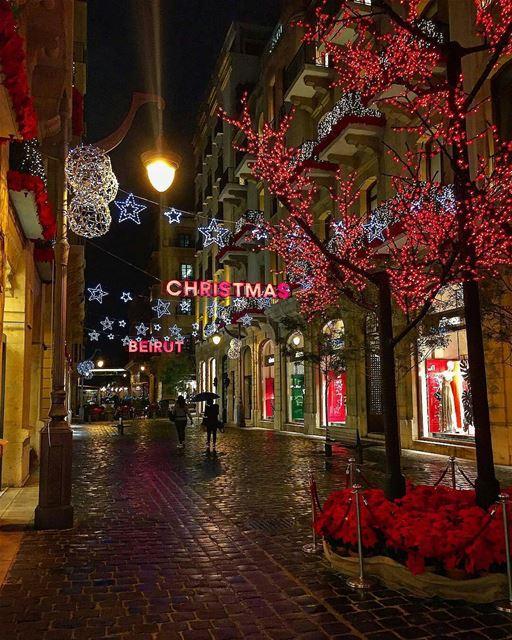 Tis the season to be jolly.By @modakroub ChristmasInLebanon ... (Downtown, Beirut, Lebanon)