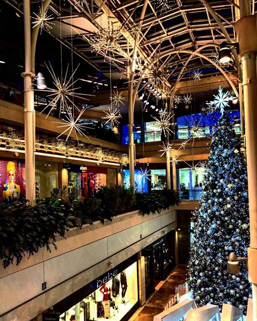Early Christmas decorations🎄By @ramzi3id  ABCMall  Achrafieh  Beirut ... (ABC Mall Achrafieh)