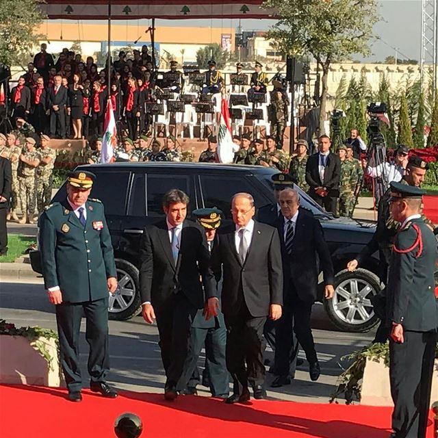 وصول فخامة الرئيس العماد ميشال عون الى منصة الشرف لحضور العرض العسكري للجيش (Downtown, Beirut, Lebanon)