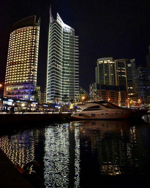يا ستَّ الدنيا يا بيروت..يا حيثُ الوعدُ الأوّل.. والحبُّ الأولBy @tonifre (Zeitouna Bay, Beirut , Lebanon)