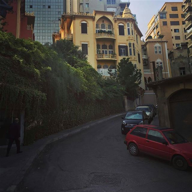 Walk the City 🚶By @lebanesestud GoodMorningBeirut Clemancau Beirut ... (Clemancau)