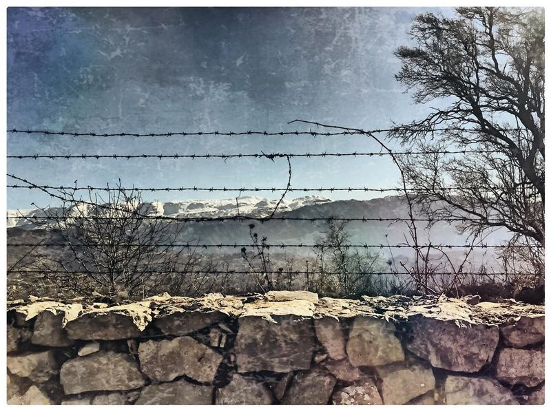 Barbelés barbedwire winter mountain snow landscape ig_mood ...