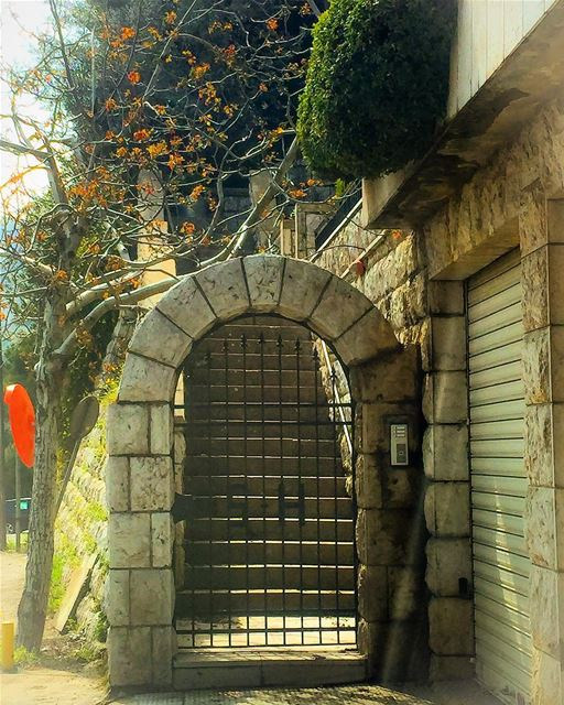 Gate to stairway mountain house architecture stone gate traditional ...