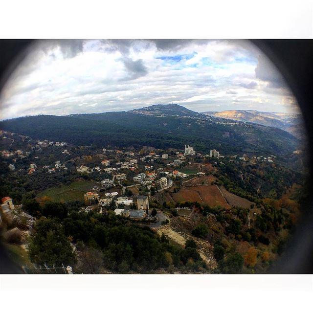 🇱🇧... Jezzine's mountains ⛰ lebanon from beirut to jezzine ... (Jezzîne, Al Janub, Lebanon)