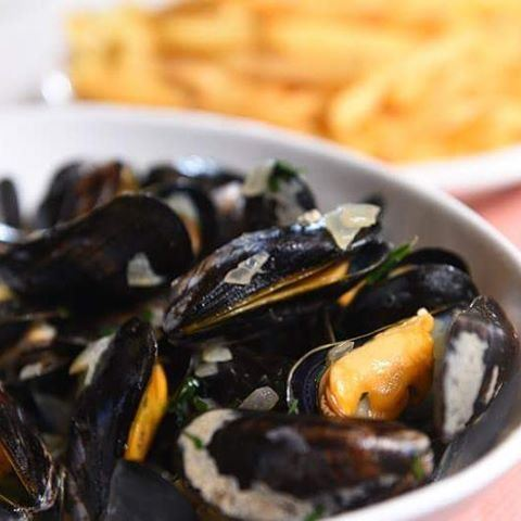 Yam Yam Yam 😍😍😍Moules et Frites every Thursday at  Byblossurmer...