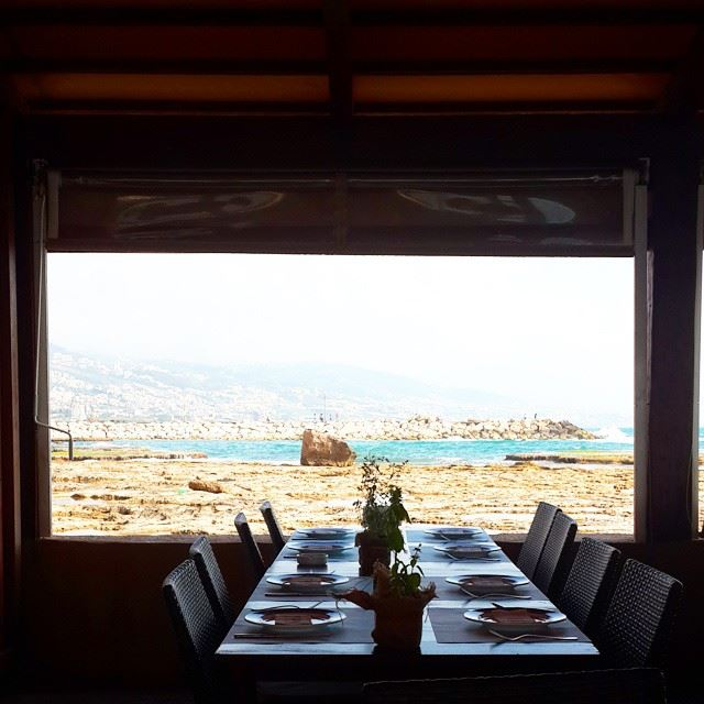 Sunday is calling for lunch in Byblos! seaview seafood restaurant... (Dar L'Azrak - Jbeil)