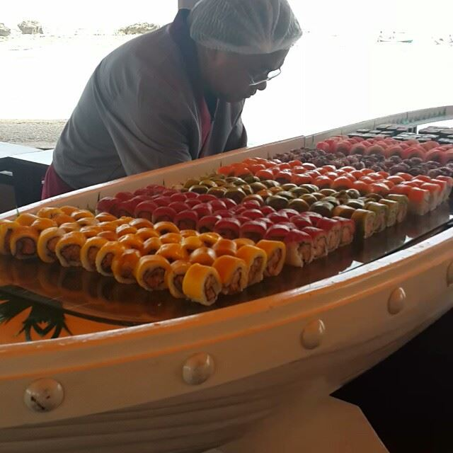 Sushi all the way 🐳🐠🐡🐟 food beach seaview traveler seafood yummy...