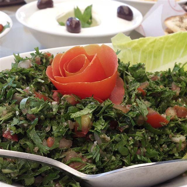 lebanese cuisine food tabouleh lebanon lebanonspotlights ...