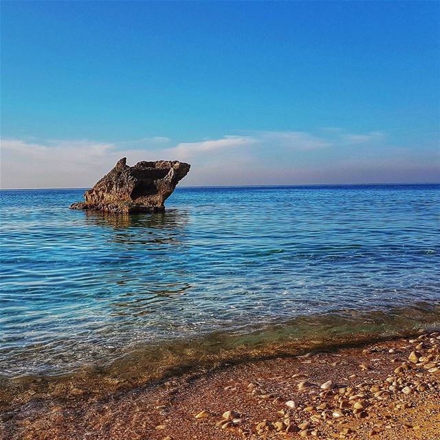 The lonely rock batroun lebanon🇱🇧 clearweather brightcolors sea ...