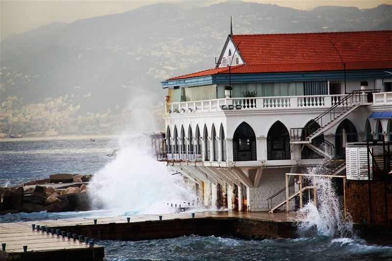 kornish beirut boulevardbeirut lebanon mediterranean ливан бейрут корниш (Beirut, Lebanon)