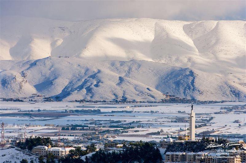 La neige qui tombe n'est jamais froide quand on est heureux.❄️❄️❄️ ... (Zahlé, Lebanon)
