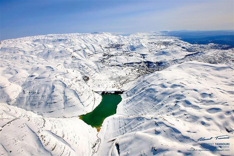 On nomme amoureux celui qui, en courant sur la neige, ne laisse point de... (Chabrouh Dam)