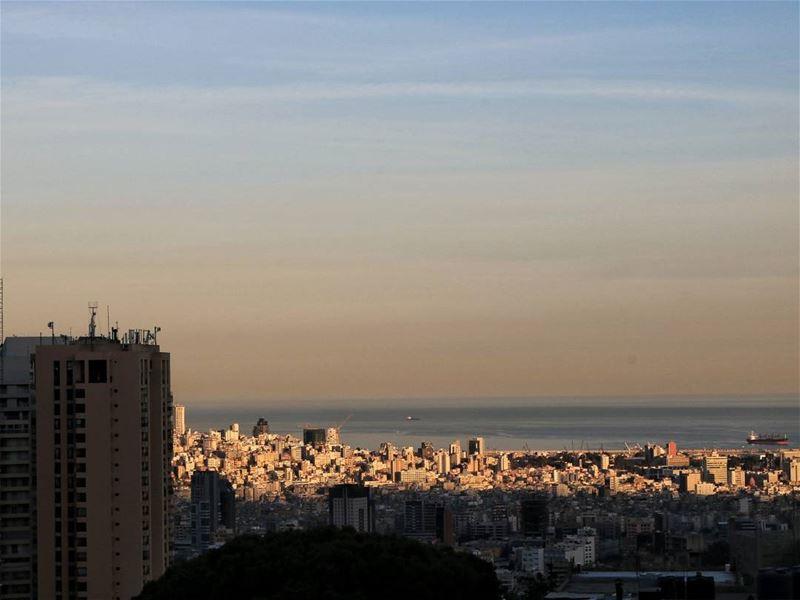 Sunrise over Beirut・・・・・ beirut lebanon beyrouthlife... (Beirut, Lebanon)