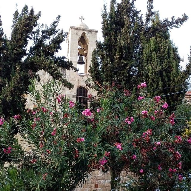 Old church, can't remember which century it was built (maybe 16th),... (Dayr Al Qamar, Mont-Liban, Lebanon)