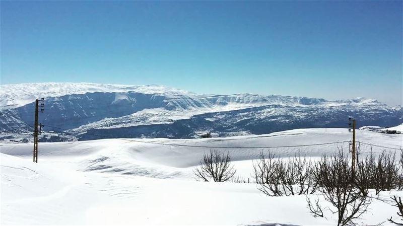 .––––––––––––––––––––––––––––––––––– snowshoeing laqlouq Lebanon–––––– (El Laqloûq, Mont-Liban, Lebanon)