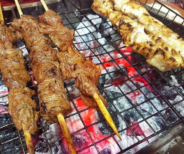 barbecue lebanese semsomonthego charcoal lebanesefood soukelakel ...