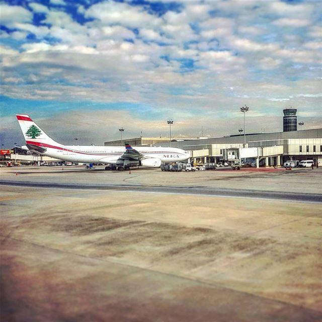Trunk Route flytheflag attached avgeek instagramaviation lebanese ... (Beirut–Rafic Hariri International Airport)