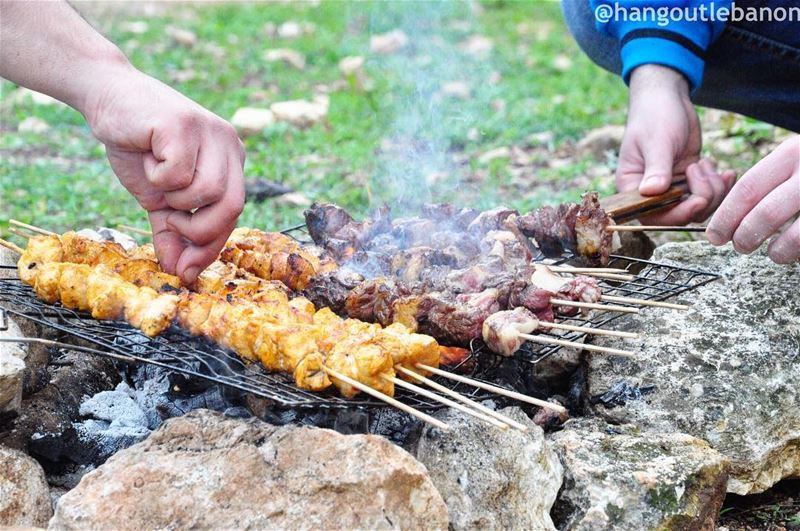 Happy sunday, let your bbq be authentic ! مشاوي_والشباب---------------
