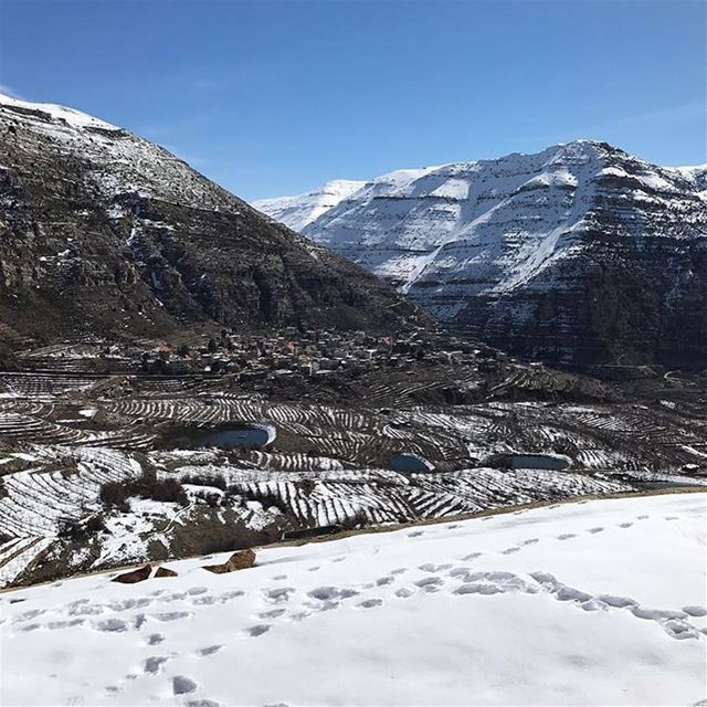 Leave a footprint wherever you go! In this case in Akoura 🏔🏔 ... (Akoura, Mont-Liban, Lebanon)