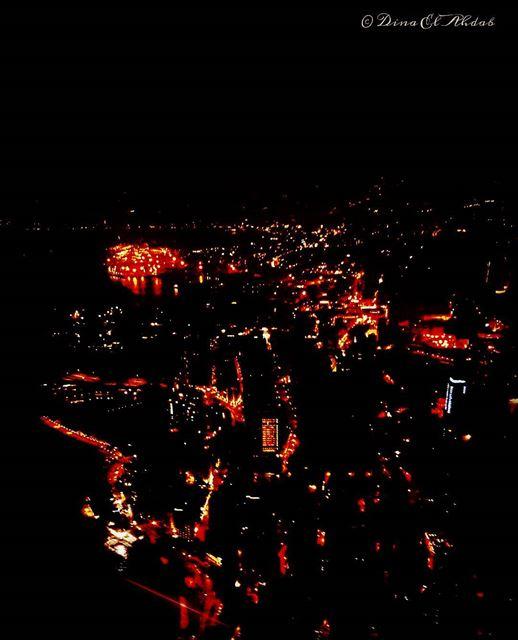 Chez moi, je vois toujours de haut, des gens qui ne dorment pas la nuit,... (Beirut, Lebanon)