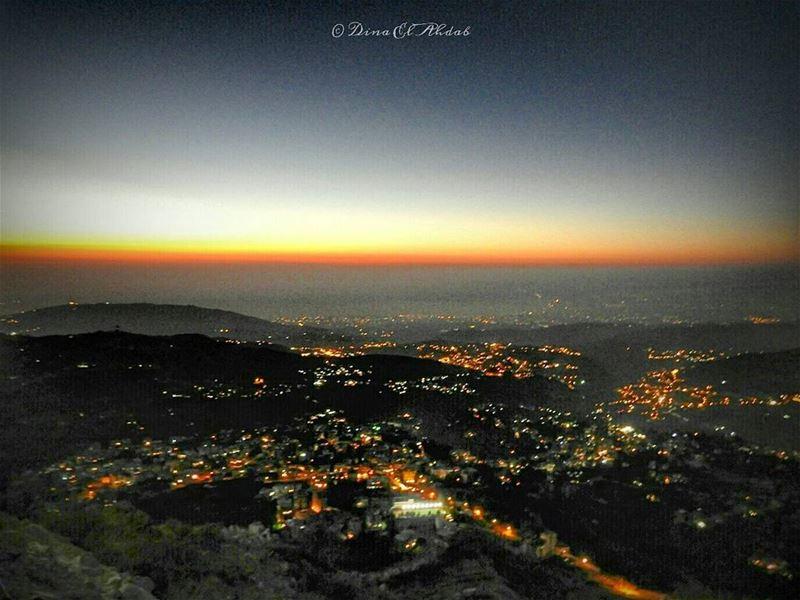الحياة بعد المغرب...________ night nightlandscape light mountains ... (قمة جبل الأربعين)