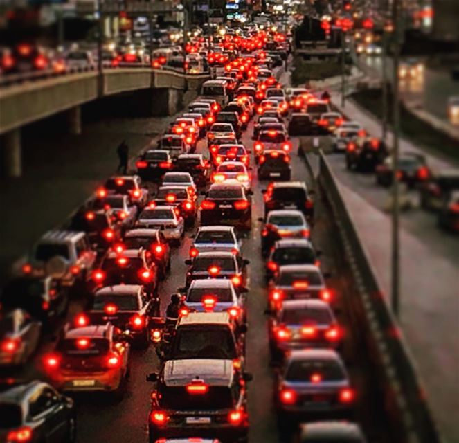 The crowd of a city! 🚘🚔🚖(Photo credit : Yussouf Khaizaran) ... (Traffic Jam)