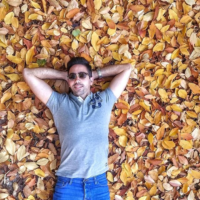 Sleeping on a leafy bed 🍂🌺🍁🍂🍁🌺🍂🌺🍁🌺🌺🍁🍂🍂🍁🍁🌺 livelovebeirut... (Chouf)