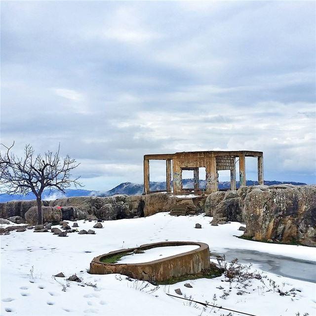 Be like snow, cold but beautiful.❄❄❄ livelovebeirut wearelebanon ... (Zaarour)