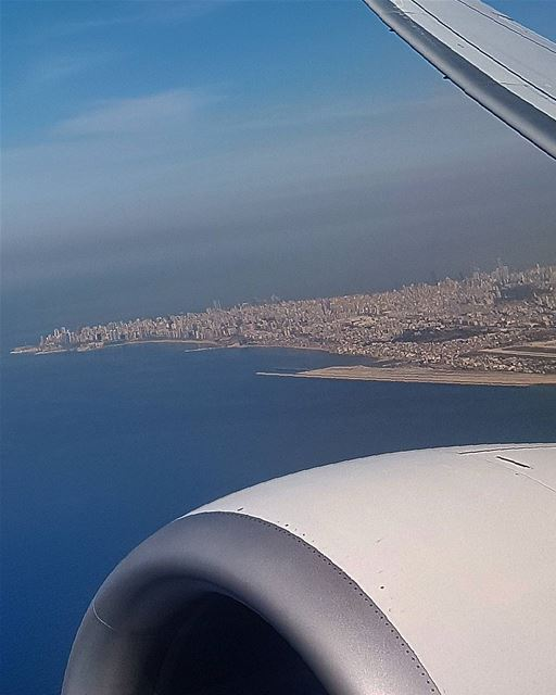 ... Exact location of Beirut: between a jet engine and a wing 😁😆------... (Beirut, Lebanon)