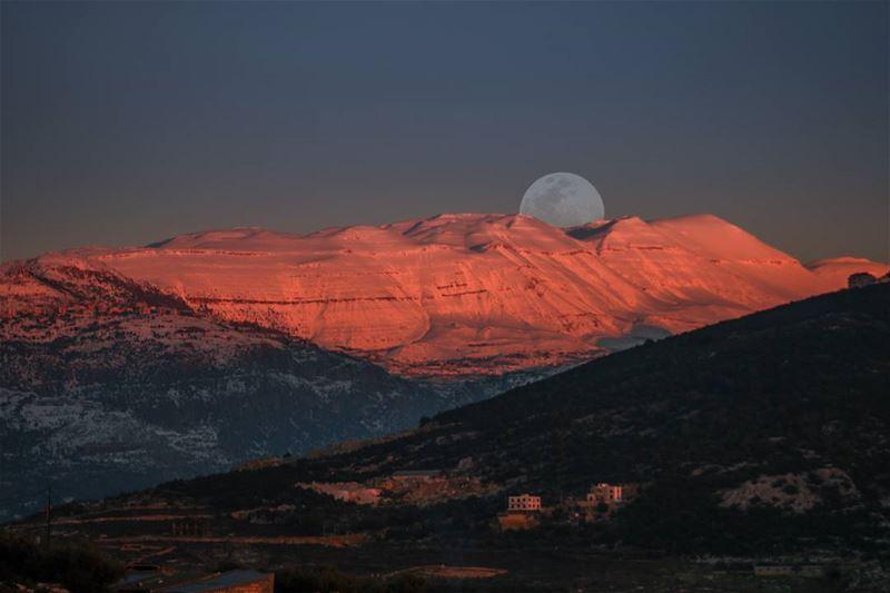 Lebanon Winter Season Snow Mountains Moon Sky White Colors ...