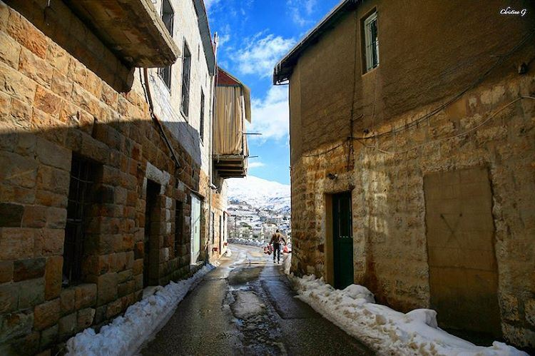 On the streets of Baskinta 👣🏠 a7labaladbil3alam photo love ... (Baskinta, Lebanon)