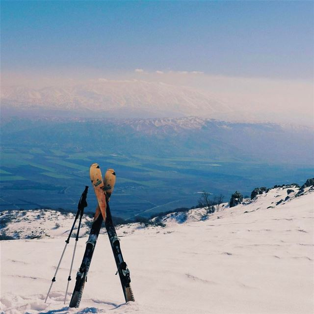 Bekaa valley seen from Barouk⛷.. lebanon instagood backcountryskiing ... (Shouf Biosphere Reserve)