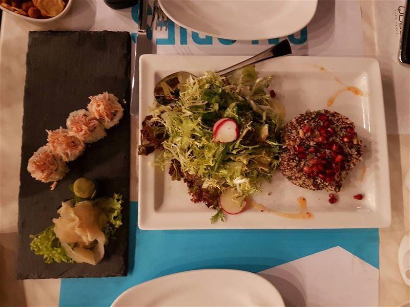 Enjoying my diner @quberesto quinoa salad sushi sushilovers ... (Qube-Kaslik)