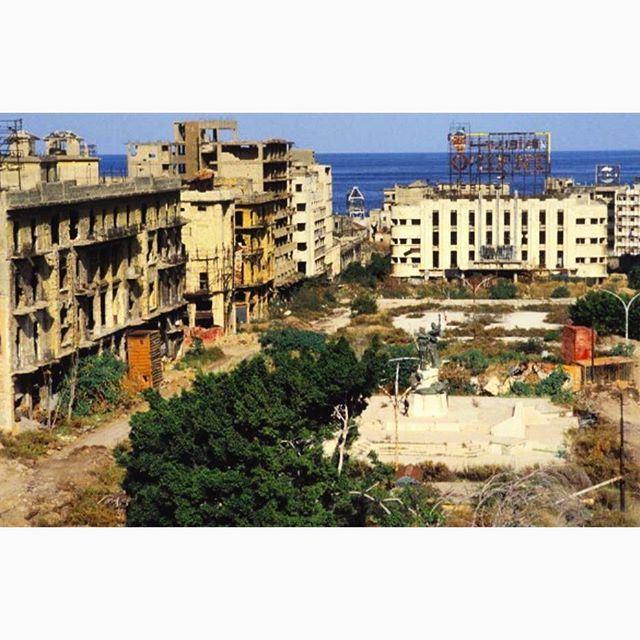 ساحة الشهداء عام ١٩٩٠،