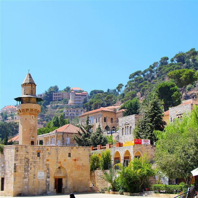 Clear blue sky @livelovedeirelkamar lebanon lebanon_hdr ig_lebanon ... (دير القمر - Deir El Qamar)