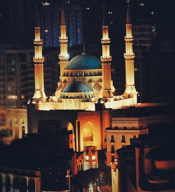 Enjoy your Sunday... Please show support for the new project @everydayleb ... (Mohammad Al Amin Mosque)