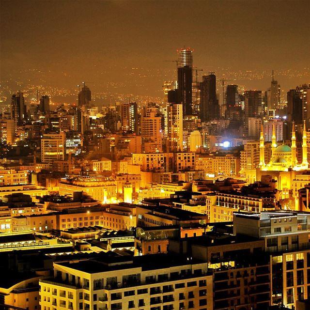 Beirut skyline...🇱🇧 lebanon lebanon_hdr ig_lebanon insta_lebanon ... (Four Seasons Hotel Beirut)