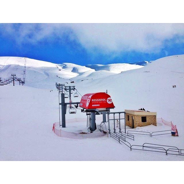 InstaSize lebanon kfardebien ski slots wearelebanon proudlylebanese...