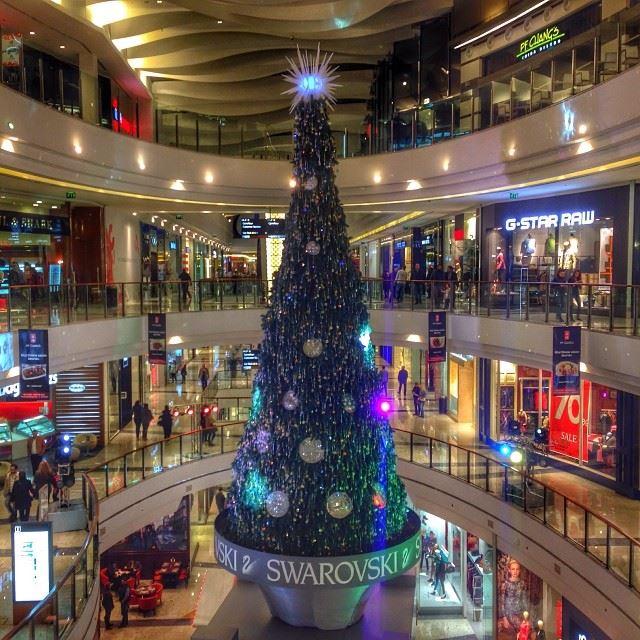 beirutcitycenter Swarovski christmas tree beirut ...