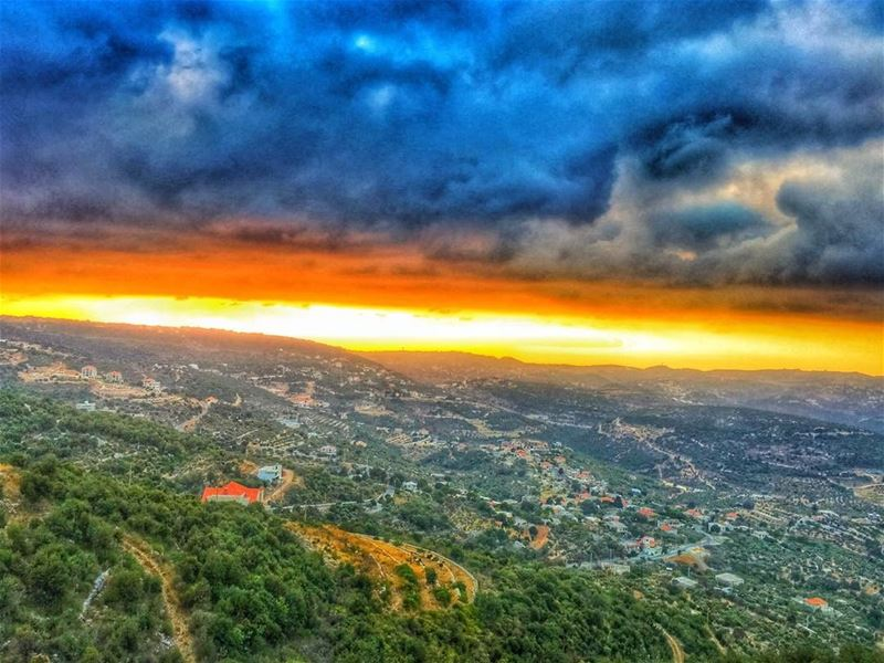 """ We Accept The Love We Think We Deserve..."" whatsuplebanon insta_lebanon... (Chabtîne, Liban-Nord, Lebanon)"