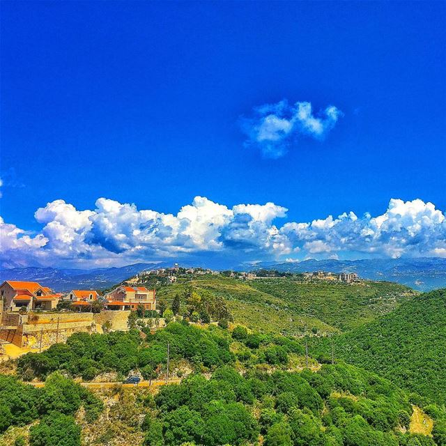 """ Breath In..."" whatsuplebanon wearelebanon insta_lebanon ptk_sky... (Ijdabra, Liban-Nord, Lebanon)"