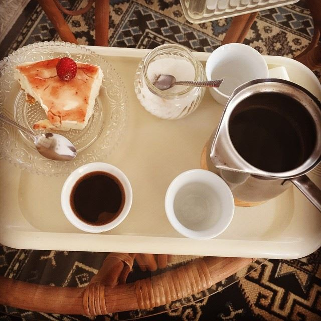 nothing better like a morning with coffe and cheese cake good morning...