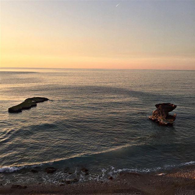sunset love lebanon sunsetlovers sea lebanontimes lebanonspotlights... (Batroûn)